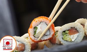 Barra libre de Makis a elección para una persona + 2 bebidas en Mr Sushi.