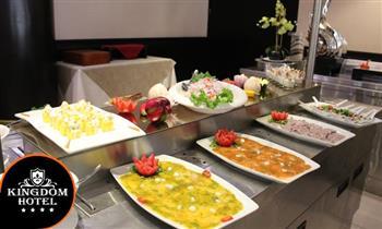 Buffet Internacional almuerzo o cena + grupo musical y más