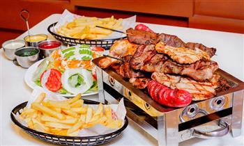 Grill City parrilla para 2 personas que incluye: pollo + lomo fino + anticucho y mas