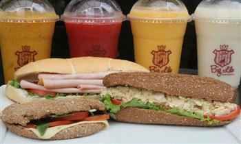 ¡Elige tu bebida favorita y los deliciosos sánguches que Big Lila trae para ti!
