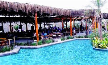 Combo parrillero para 2 o 4 personas + bebidas + entradas + piscina fullday