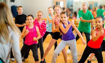 8 clases de baile: Coreo Kids o Teens, Hip Hop, PreBallet, Salsa & Bachata, o Toning Abs