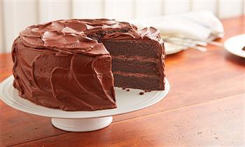 Delivery: Torta de Chocolate 60% cacao Peruano, rellenos de fudge y glaze de chocolate