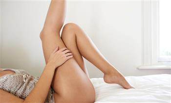 Miraflores: Paquete de depilación para damas: Piernas + línea de bikini y más.
