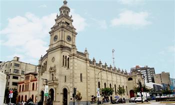 Recorrido tradicional de Semana Santa por 7 iglesias con Mirabus