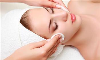 Miraflores: Limpieza y rejuvenecimiento facial profundo con punta de diamante y más.