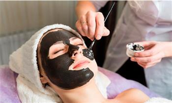 Surco: Limpieza facial + manicure y pedicure con tratamiento spa OPI y más