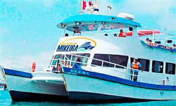 Tour Marino por la Bahía del Callao en Catamaràn Mikeira
