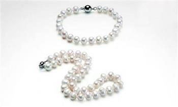 Pack de collar y pulsera, hecho con perlas de río