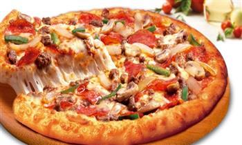 Pizza familiar + pan al ajo ¡Para llevar!