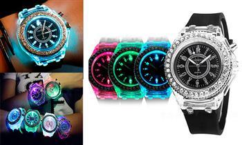 Surco: Reloj Geneva con luces LED que cambia de color, correa silicona blanco o negro