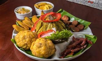 Ronda a La Anaconda que incluye: juane de pollo + tacacho y mas