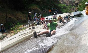 Full day: Songos, aventura en toboganes naturales + visita a Chosica y más